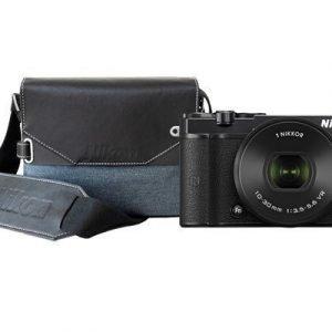 Nikon 1 J5 + 10-30/3